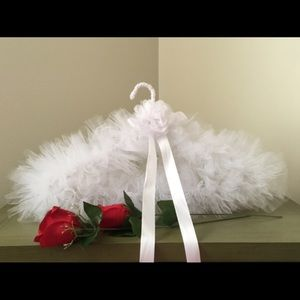 💋BEAUTIFULLY DESIGNED TULLE HANGER WITH BO…